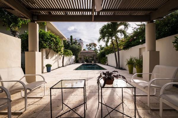 41 Bering pool deck 600x400 Florida Mid Century Modern by Robert Wielage