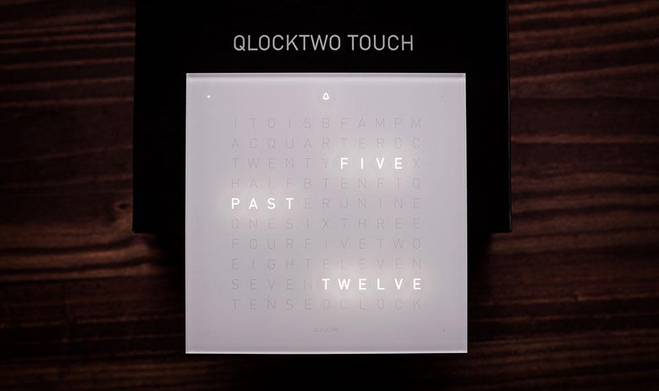 Qlocktwo-Touch-Clock-5