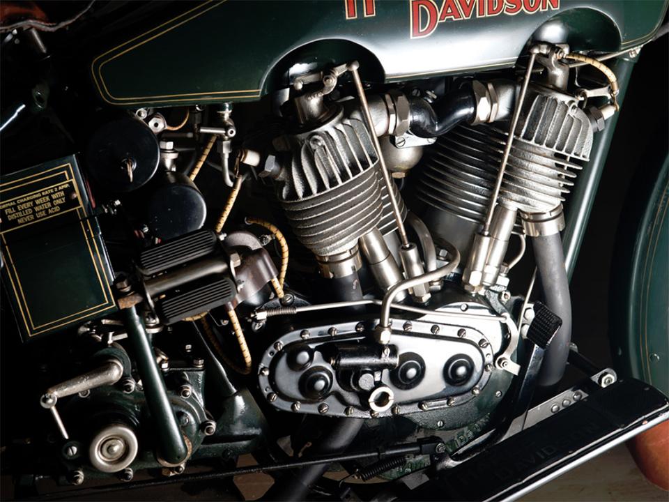 1922 Harley-Davidson JD Motorcycle 3