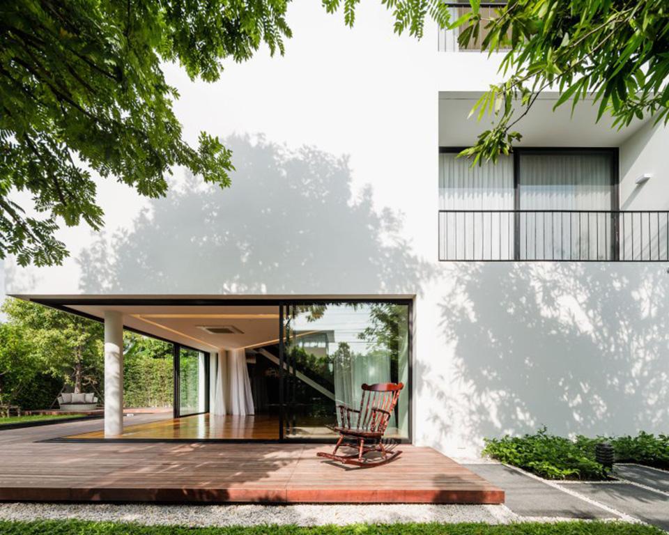 Baan Moom House by IF 12