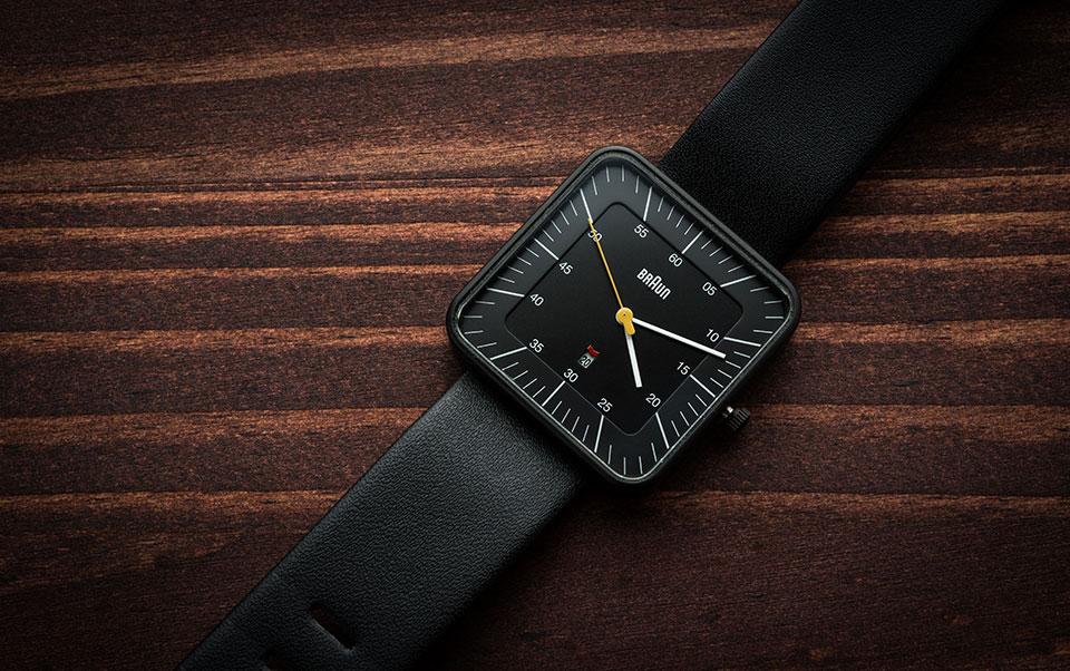 Braun-BN0042-Black-Date-Leather—Angle-Vanity