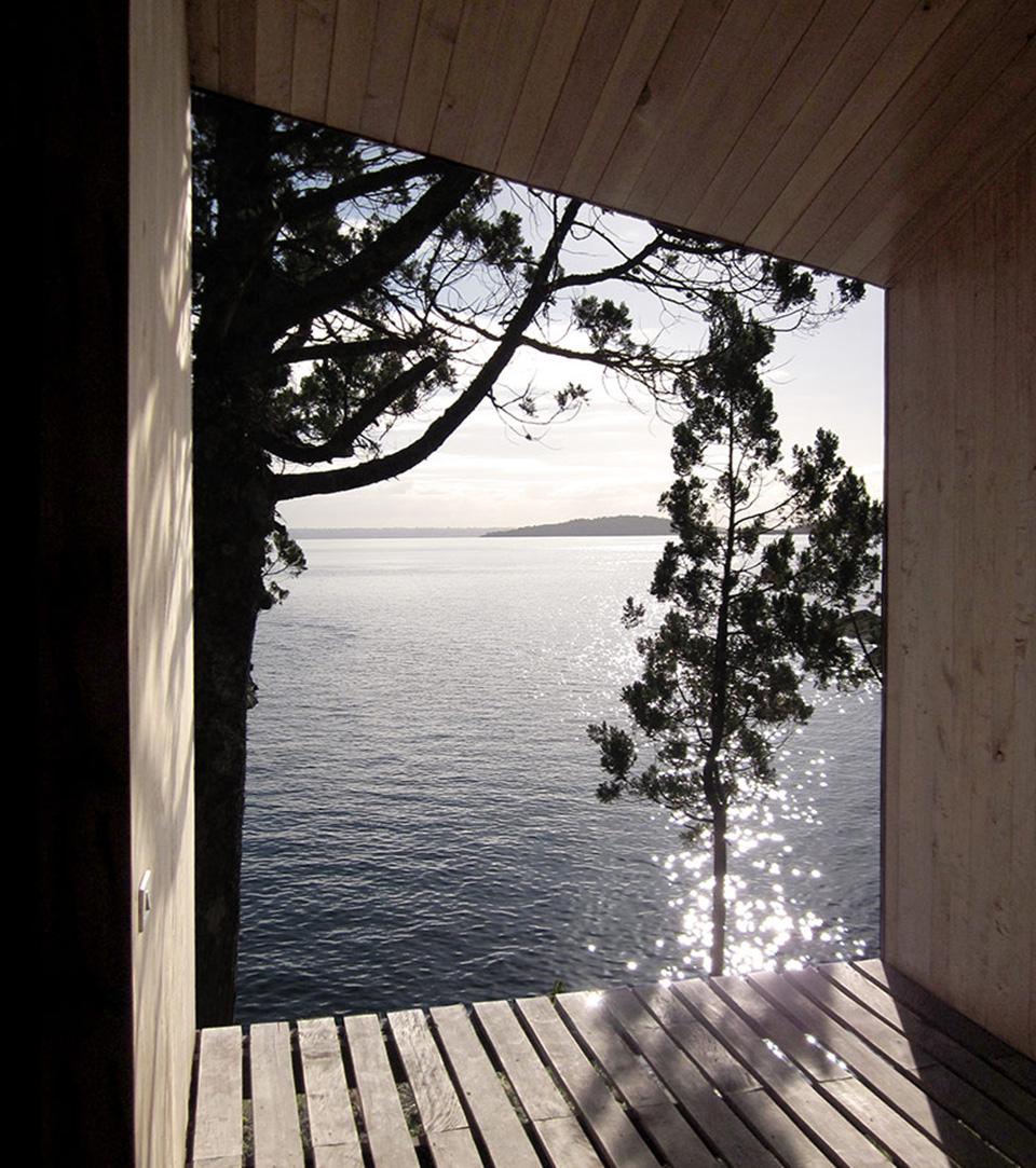 Lakefront Sauna by Panorama Arquitectos 6