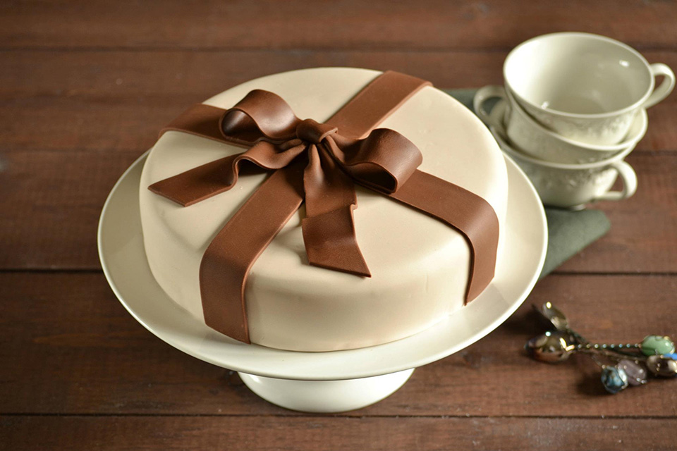 Brys and Edgewood Cake Kits 2