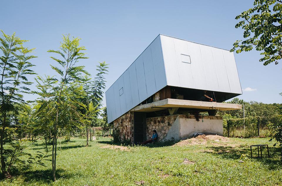 Caja Obscura – The Convertible House 11