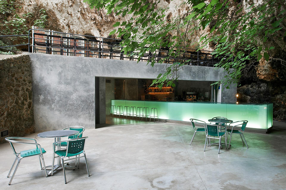 Cave Bar – Spain 1