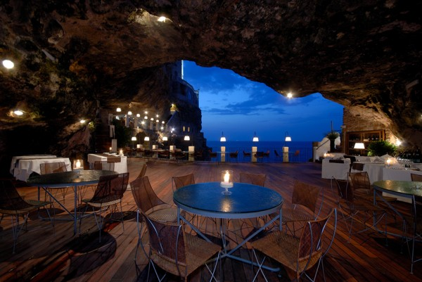 Cave Restaurant Italy 1 600x401 Underground Living: 10 Amazing Cave Homes, Hotels and More