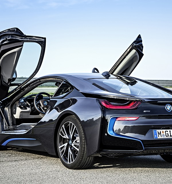 BMW i8 Plug-in Electric Sports Car (13)