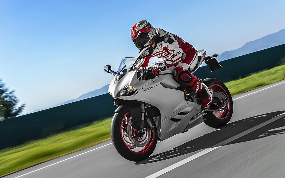 Ducati 899 Panigale Motorcycle 9