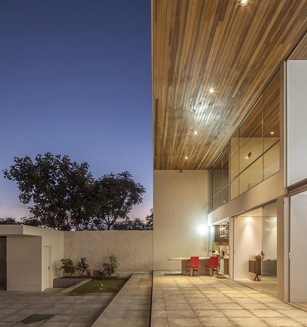 Linhares Dias House by DOMO Arquitetos 16