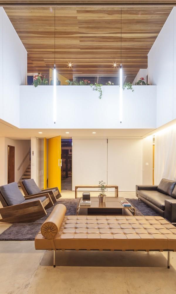 Linhares Dias House by DOMO Arquitetos 18