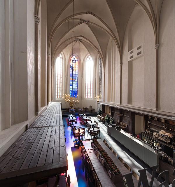Waanders In de Broeren Book Store by BK Architecten 1