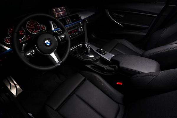 2014-BMW-328d-Interior