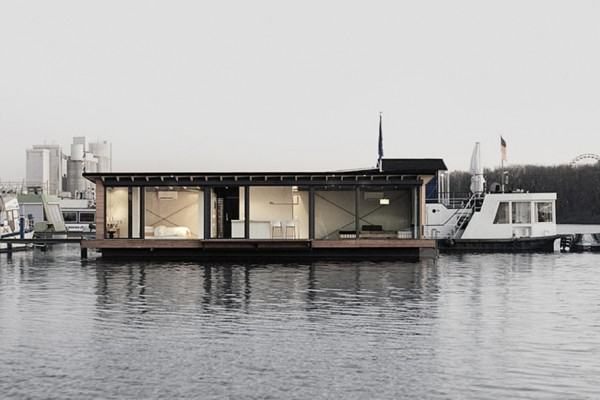 Modern Houseboat by Welcome Beyond 2 600x400 Modern Houseboat by Welcome Beyond