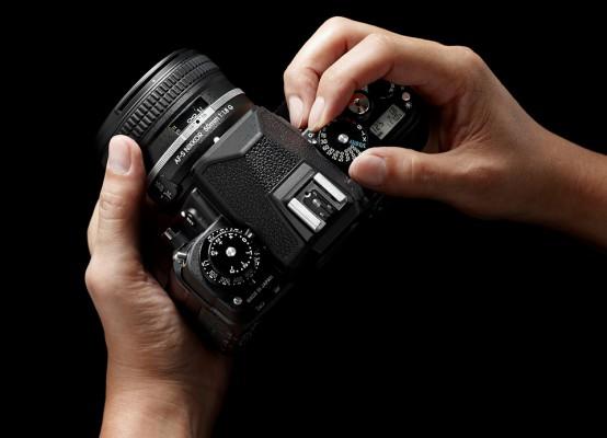 Nikon Df Digital SLR 7 554x400 Nikon Df DSLR: Exploring Nikons Retro Flagship