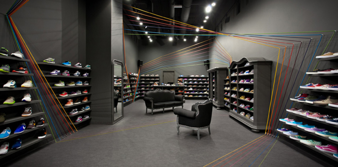 Run Colors Sneaker Store by Modelina Architekci