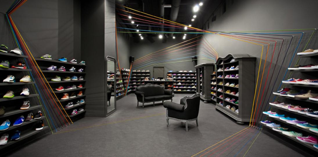 Run Colors Sneaker Store by Modelina Architekci