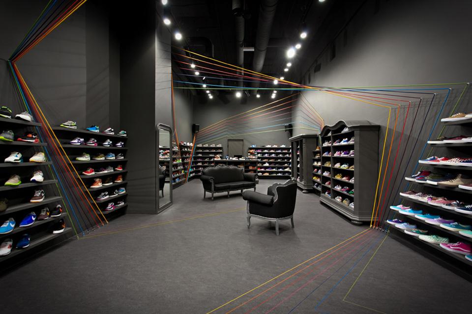 Run Colors Sneaker Store by Modelina Architekci 1