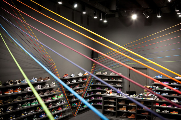 Run Colors Sneaker Store by Modelina Architekci 7 600x400 Run Colors Sneaker Store by Modelina Architekci