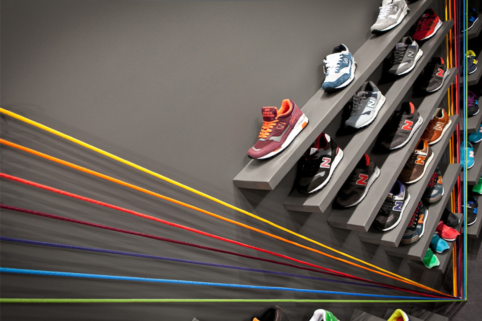 Run Colors Sneaker Store by Modelina Architekci 8