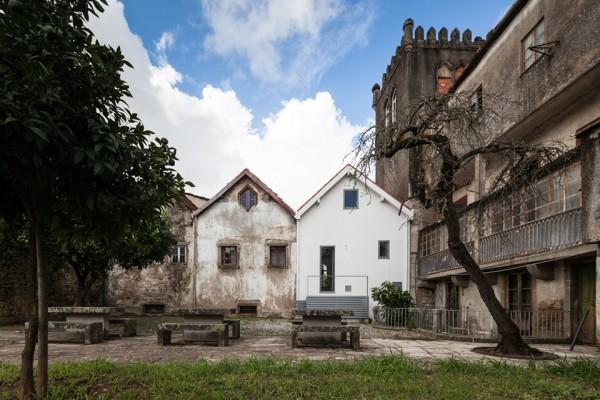 Three Cusps Chalet by Tiago do Vale Arquitectos - Joao Morgado Photographer 10