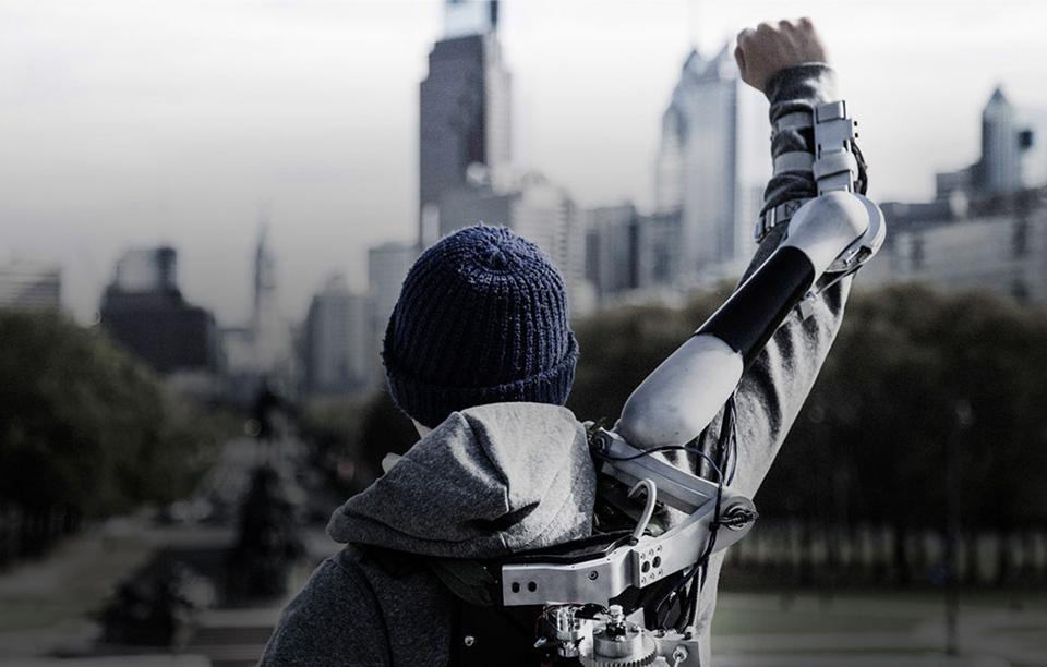 Titan Arm Exoskeleton – 2013 James Dyson Award Winner 1