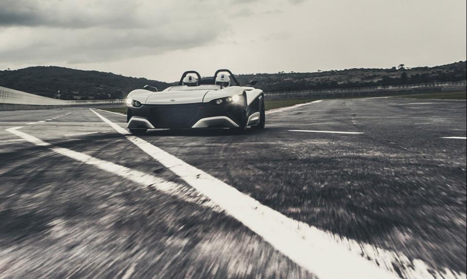 VUHL 05 Performance Car 1