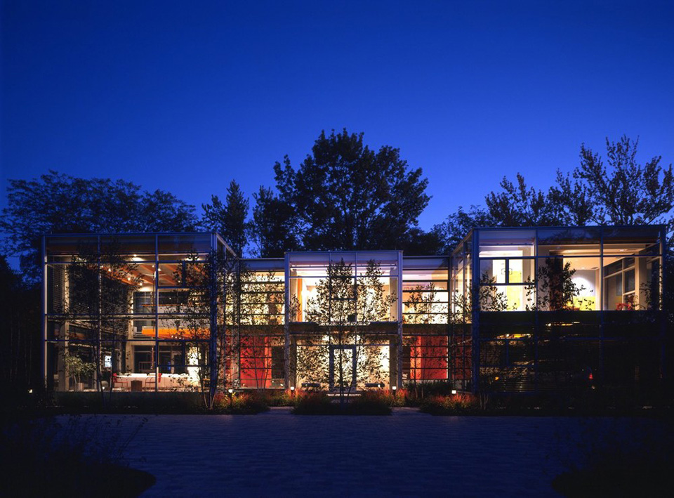 Glass House by Thomas Roszak - Photo by Jon Miller 3