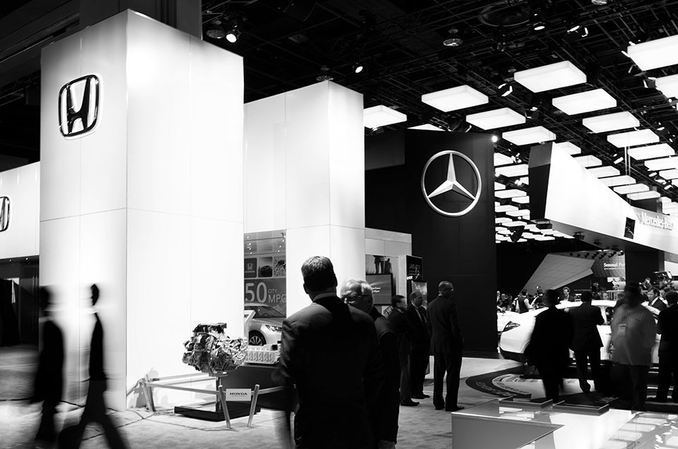 NAIAS-2014-Day-One---Auto-Show-Architecture---Architectural-Atmosphere