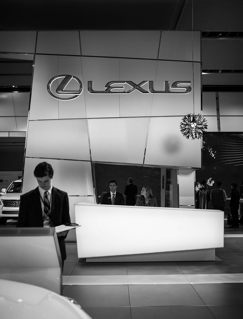 NAIAS-2014-Day-One—Auto-Show-Architecture—Lexus-Booth