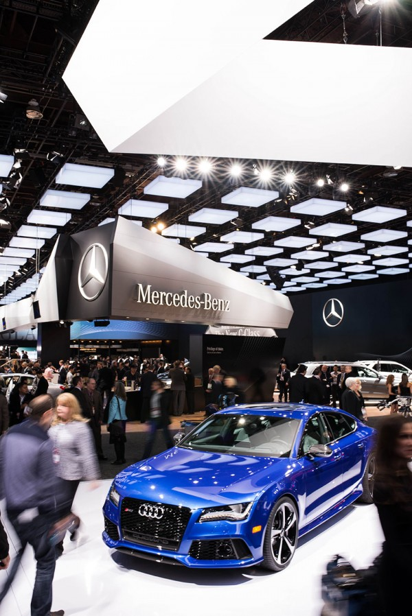 NAIAS-2014-Day-One---Auto-Show-Architecture---Mirrored-Angles