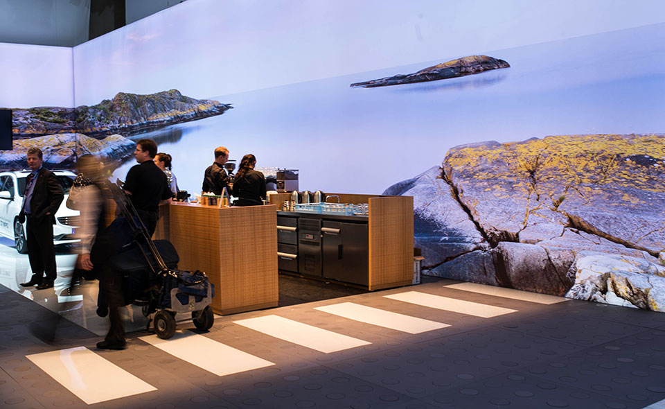 NAIAS-2014-Day-One---Auto-Show-Architecture---Nordic-Coffee-Bar
