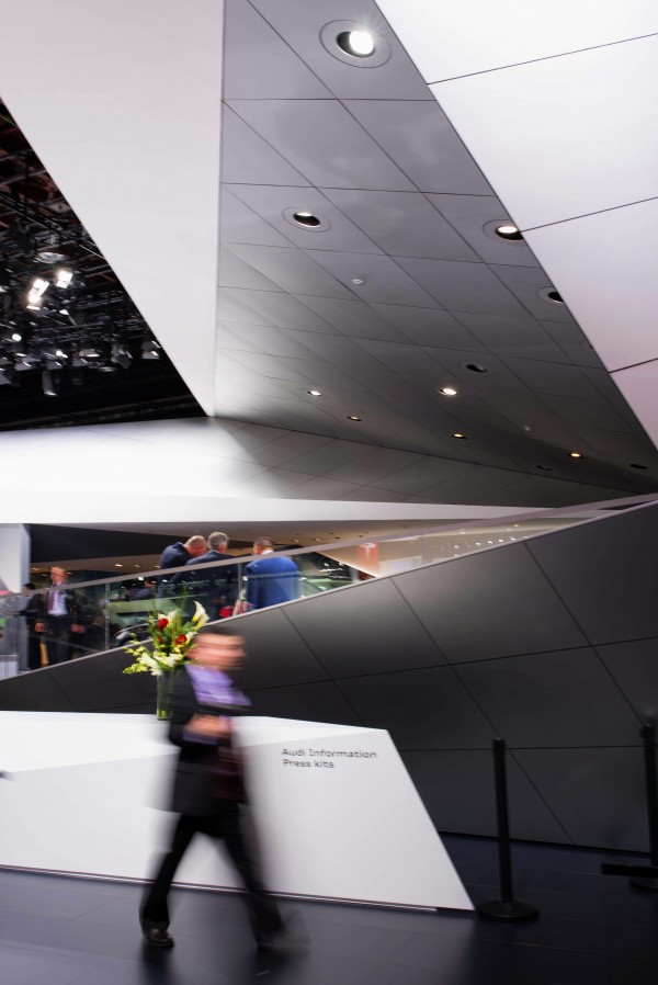 NAIAS-2014-Day-One---Auto-Show-Architecture---Prismatic