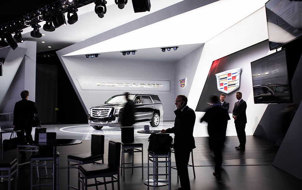NAIAS-2014-Day-One---Auto-Show-Architecture---Sharp-and-Angular