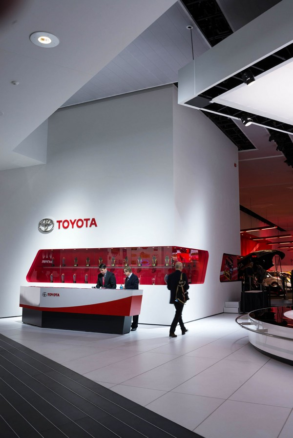 NAIAS-2014-Day-One---Auto-Show-Architecture---Toyota-Angles