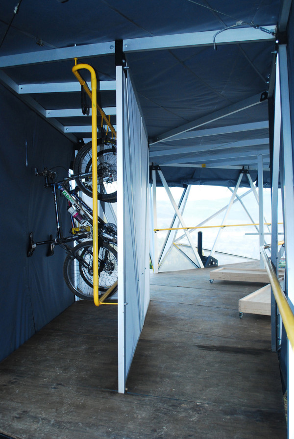 Contemporary Camping Shelter by Rodrigo Cáceres Céspedes 6