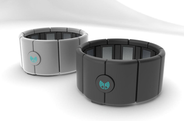 Myo Armband 600x396 Thalmic Myo Armband: a Gesture Control Revolution