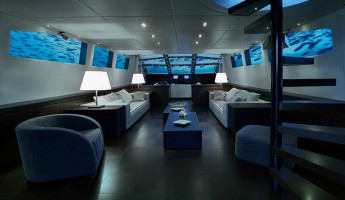 "Olivers Travel's ""Lovers Deep"" Luxury Submarine"