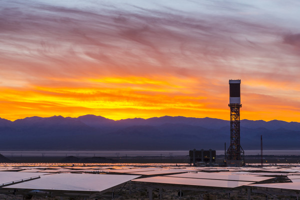 Worlds Largest Solar Array Ivanpah 6 600x400 The Worlds Largest Solar Plant Is Officially Online