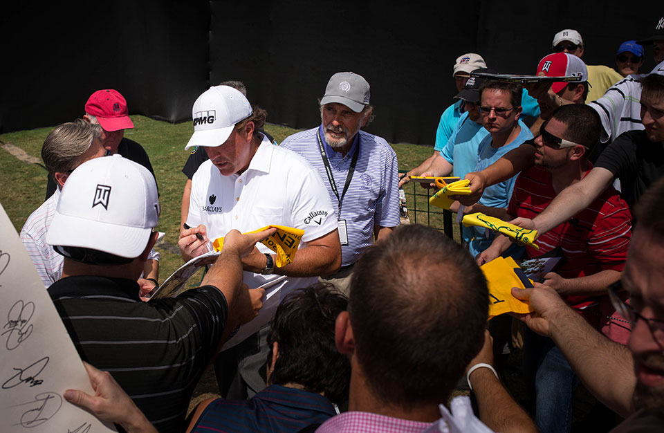 Cadillac-V-Series-Charity-Event-at-Trump-Doral—Phil-Mickelson