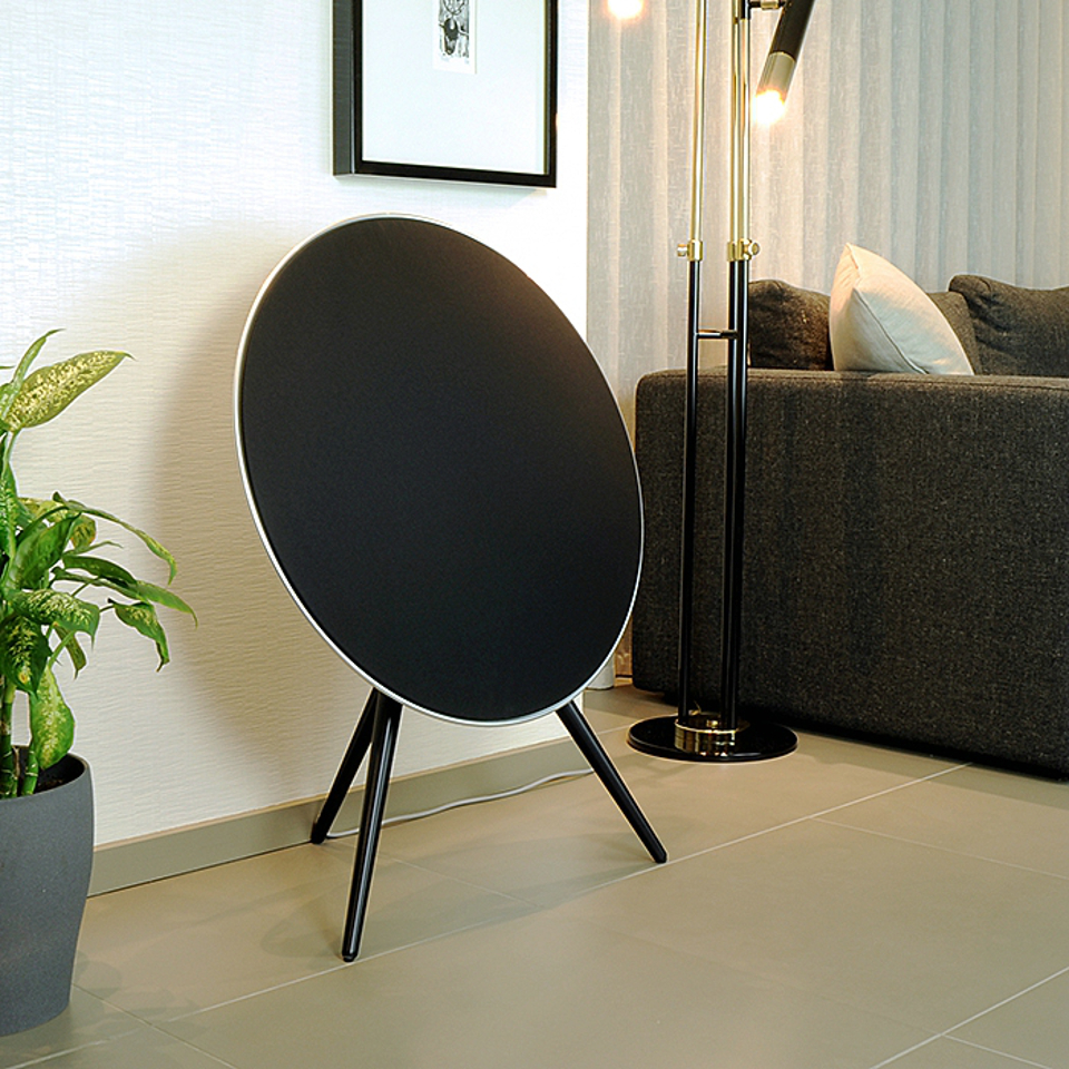 Beoplay A9 Black Living Room