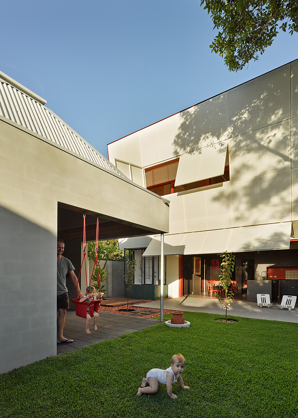 Casa 31_4 Room House by Caroline Di Costa Architect and Iredale Pedersen Hook Architects 14