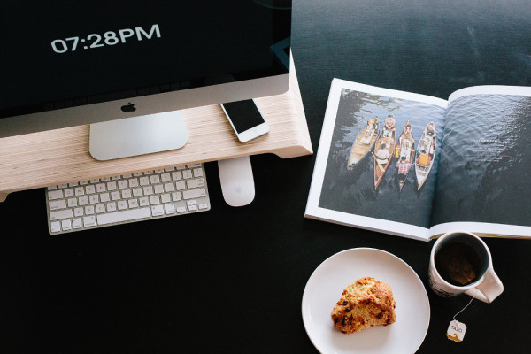 Lifta Morning Tea 600x400 Lifta Adds A Minimalist, Ergonomic Touch to Your Office