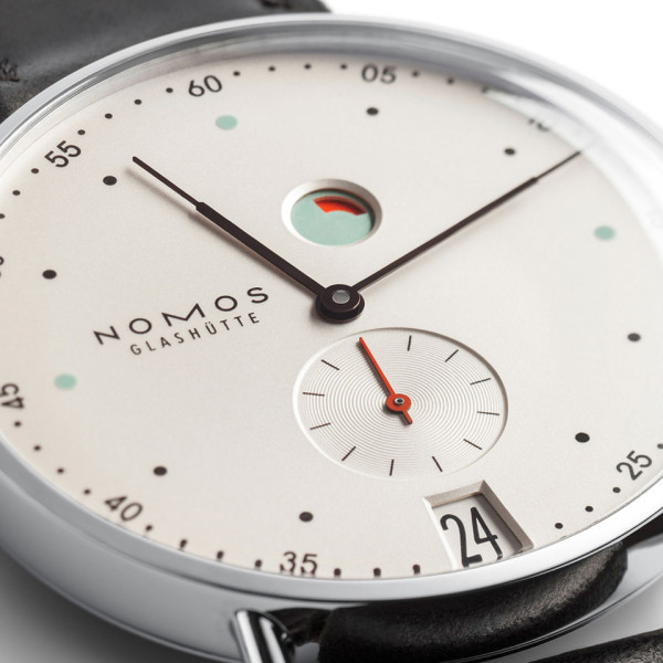 Metro Datum Gangreserve Watch 6 600x600 Retro Minimal Horology: the Nomos Metro Watch