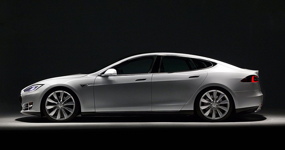Luxury Electric Car - Tesla Model S 1