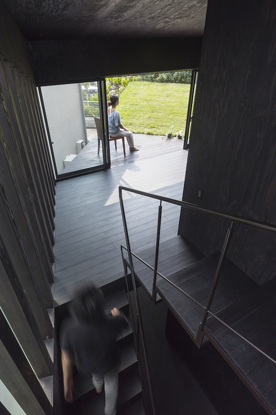 Green Roof Grass Cave House by Makiko Tsukada Architects 2