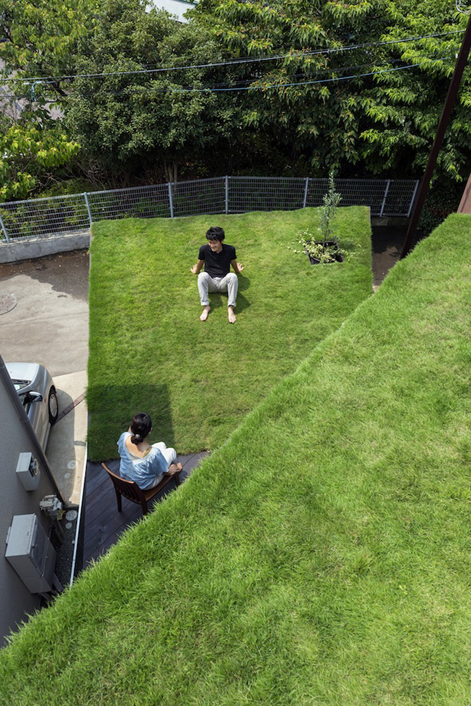 Green Roof Grass Cave House by Makiko Tsukada Architects 4