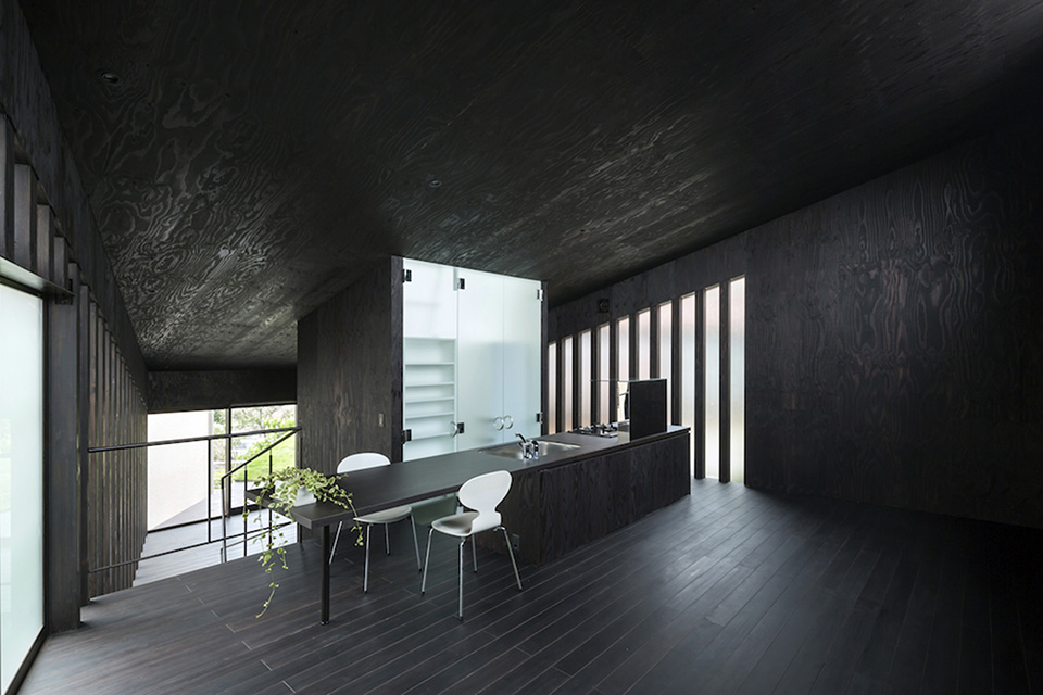 Green Roof Grass Cave House by Makiko Tsukada Architects 7