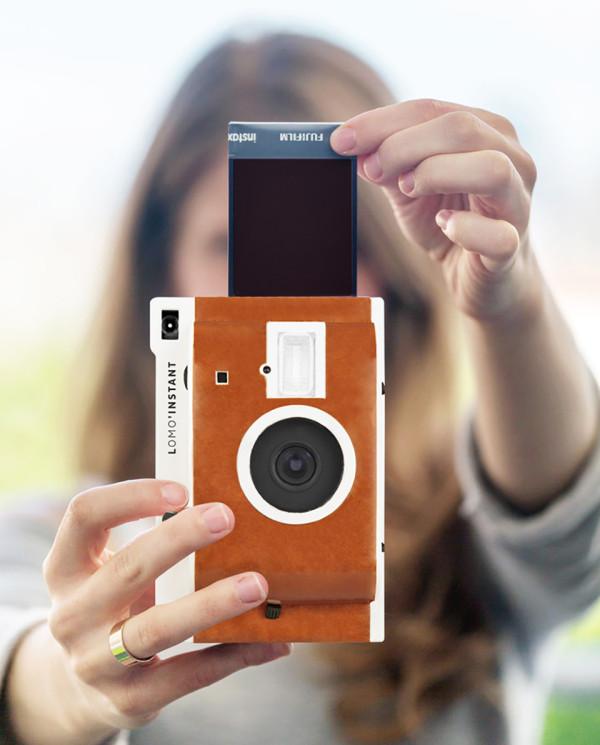 Lomography Lomo Instant Camera 1 600x745 Lomography Lomo Instant Camera Creates Instant Nostalgia