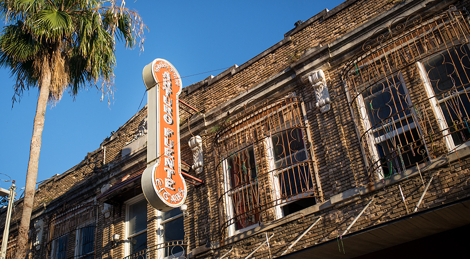 Ybor-City-Cigar-Capitol---Arturo-Fuente-Sign-4