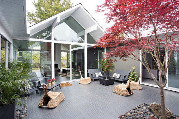 double gable eichler remodel Klopf architecture 4 600x399 Double Gable Eichler Remodel by Klopf Architecture Helps Create Stronger Family Ties